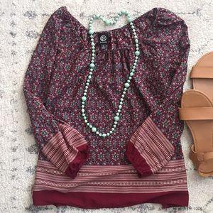 Very pretty boho top.  Burgundy patterned size S